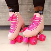 🍑💖Obtén un estilo tierno con los Patines Quad Candi Girl Pink and Peach, excelentes para las chicas amantes de los quads.🍑💖  Especificaciones:  🍑Bota: Quad Candi Girl Pink and Peach  🍑Baseplate: Aluminio  🍑Ruedas: RD de 65mm X 38mm/80a  🍑Baleros: RD ABEC 5  ✨Tienda de patines en línea: www.centroroller.mx 💻 📦Envíos a toda la República mexicana 🚫Aplican restricciones 🚫  #patines #quads #clásicos #rollerskates #candigirlskates #rdskates #carlingirl #pink #skatelikeagirl #centroroller, #amopatinar