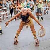 """🌟""""Los complejos y los prejuicios destruyen. ¡Libérate de ellos!...""""😌🌟 ¡Bonita tarde, los esperamos en nuestras  sucursales!🪐🪐 . 📸Créditos a su respectivo autor. .  ✨Tienda de patines en línea: www.centroroller.mx💻 📦Envíos a toda la República mexicana 🚫Aplican restricciones 🚫  #sabaroll #saturday #rollerskating #amopatinar #estilodevida #roller #Patines #quads #skateeveryday #centroroller"""