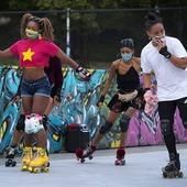 😃¡Buenos días Rollers!🔥 Comencemos este maravilloso domingo sobre ruedas.🤭🤘🏼  Créditos a su respectivo autor.  #patines #quads #clásicos #classicskate #tiendaenlinea #skateshop #xcool #cascos #Patinesclasicos #freeskate #freestyle